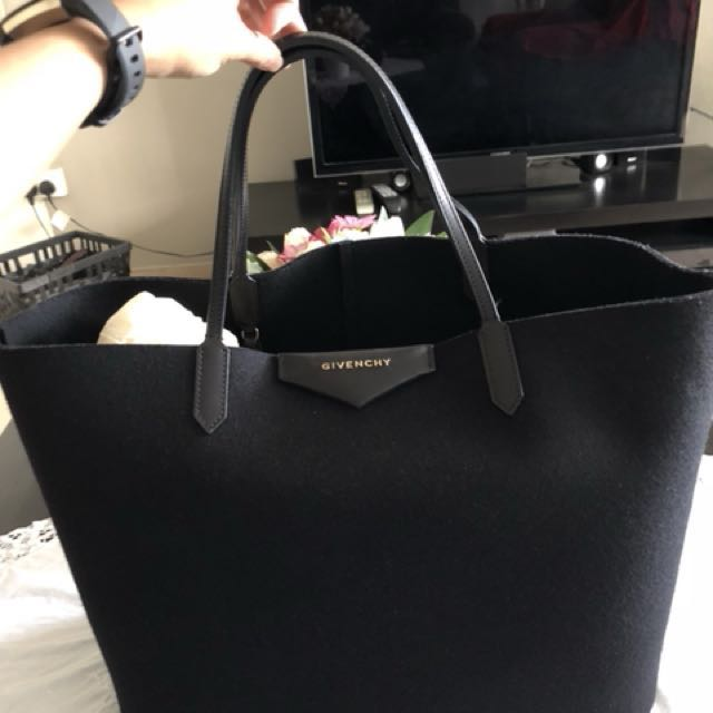 160794829af7 Givenchy Antigona Shopping Bag