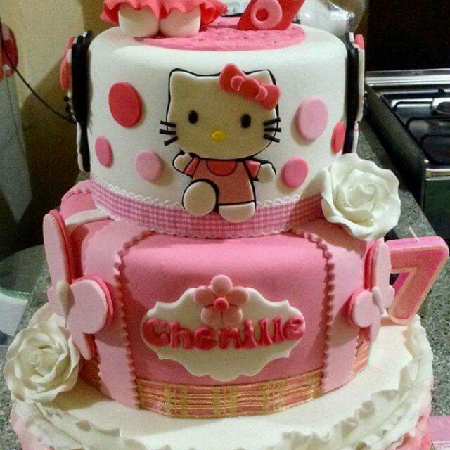 Hello Kitty Cake 3 layers Food Drinks on Carousell
