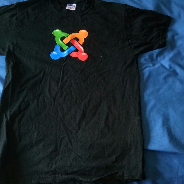 Joomla t shirt female small size.