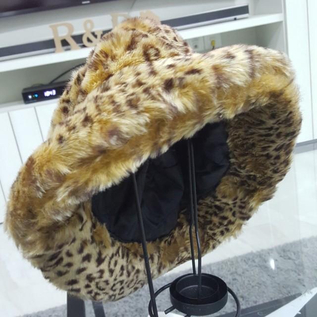 2b5379cb Leopard Print Stylish Faux Fur Hat, Women's Fashion, Accessories on ...