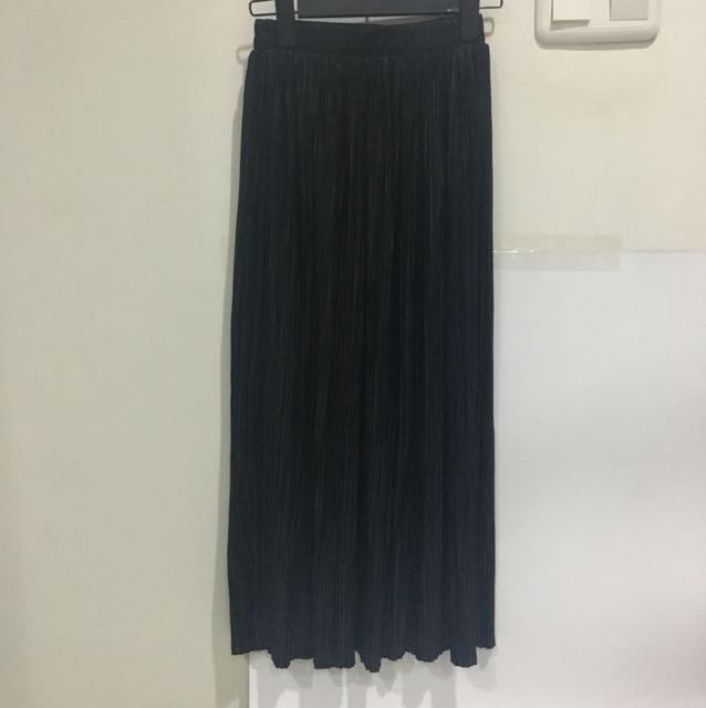Luxury Long Skirt colour Black
