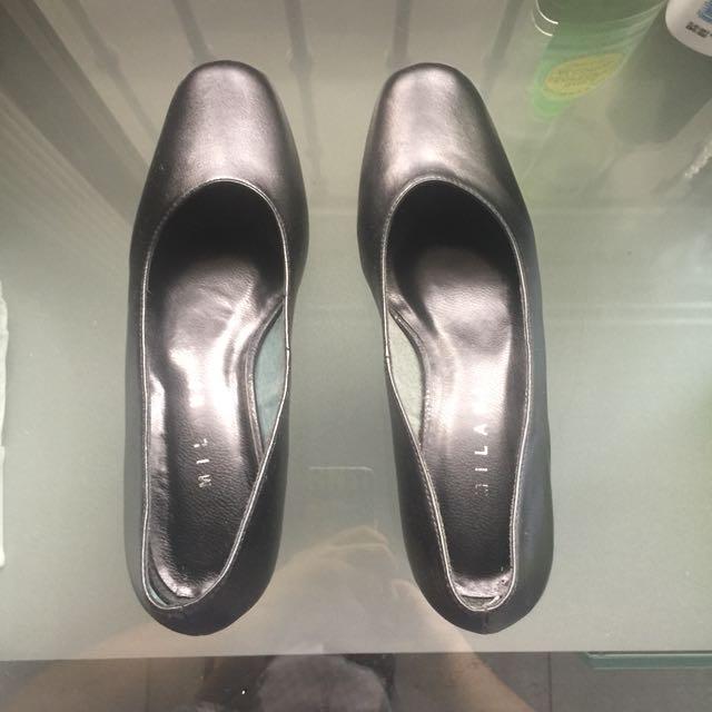 Milani black heels for corporate attire