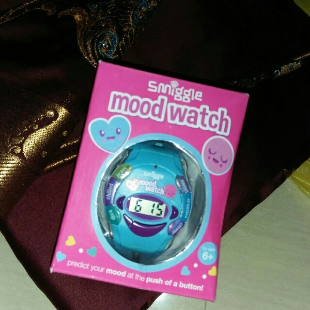NEW Smiggle mood watch