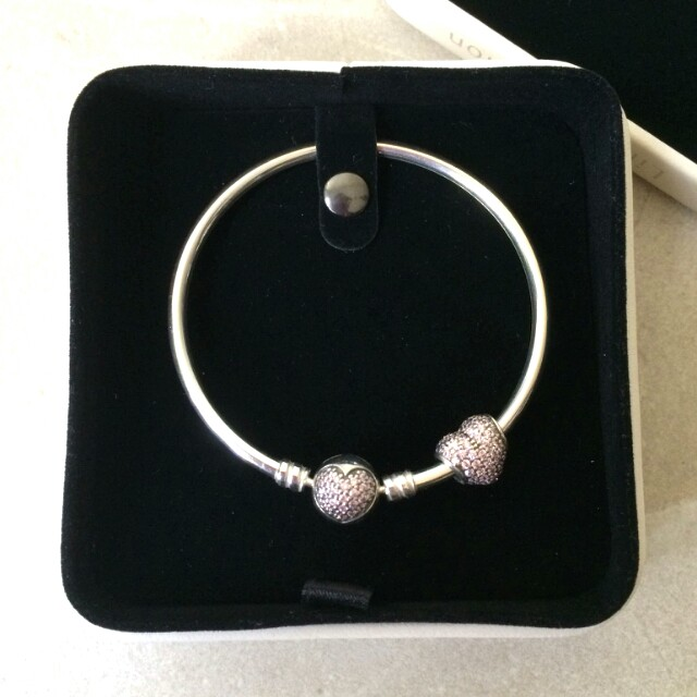Pandora Limited Edition Circle of Love Heart Bangle and Pavé Charm