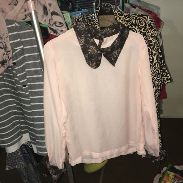 Pink shirt + brown bodyfit skirt