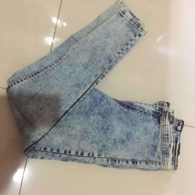 Punny high waisted jeans washed light blue
