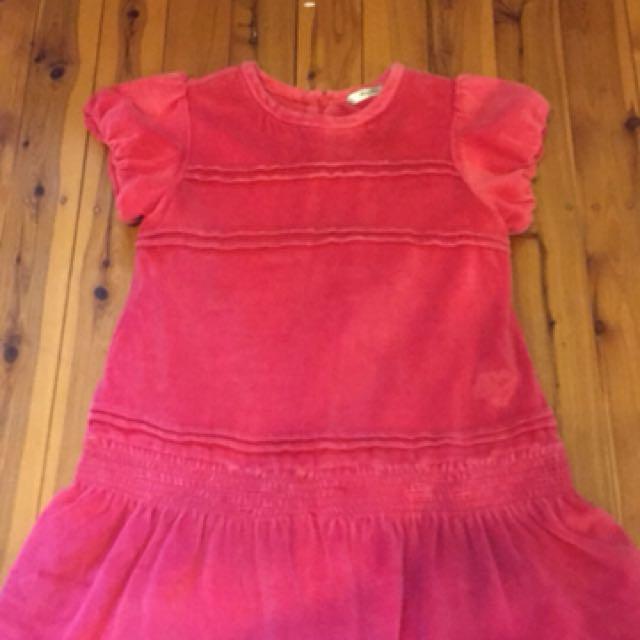 Red velvet dress to fit 5 yo