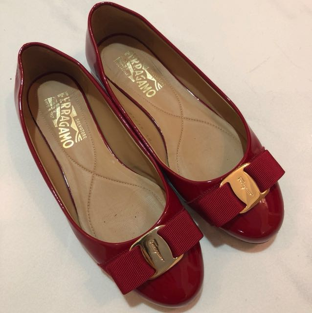 e72fcd149b09 Salvatore Ferragamo Varina Ballet Flat Pumps in Red