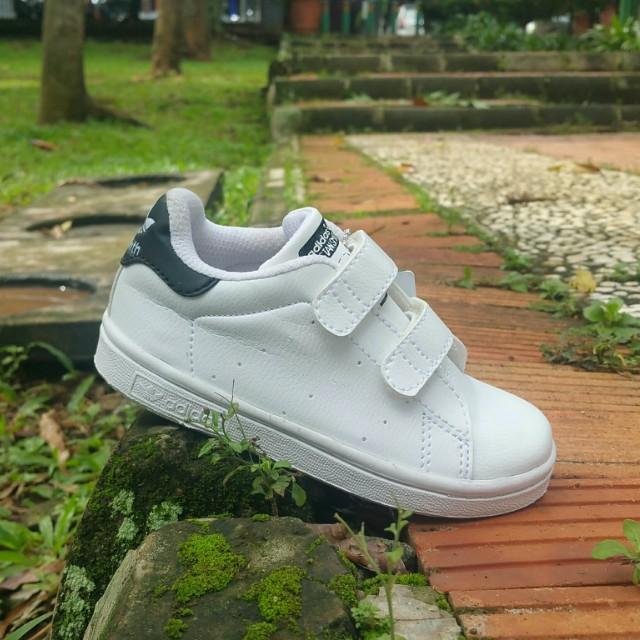 Sepatu adidas anak kecil murah meriah d65fb3e3c4
