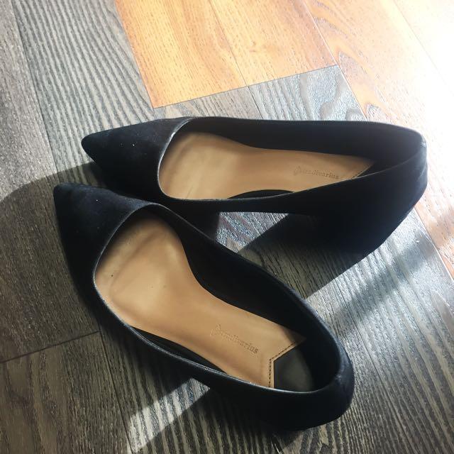 Stradavarius - black velvet shoes heels
