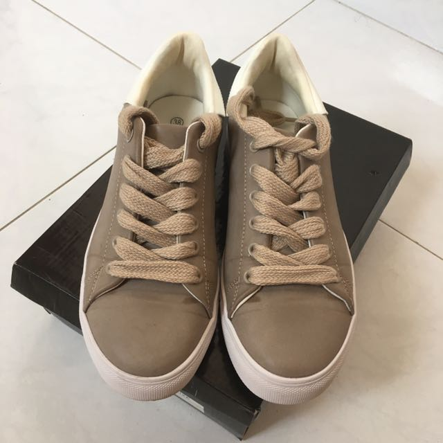 Suede leather sneaker shoes