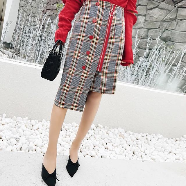 Uneven checked skirt