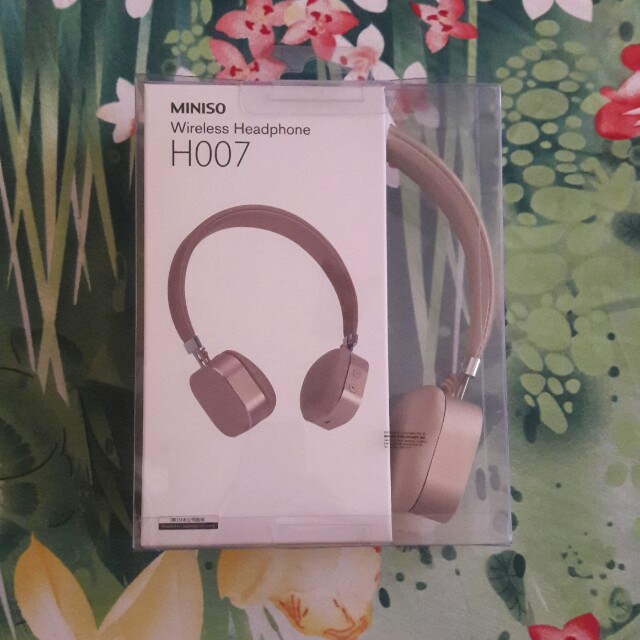 Wireless headphone (rosegold color)