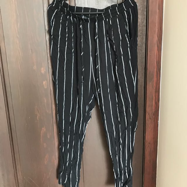 Woman's pinstripe casual pants s12-14