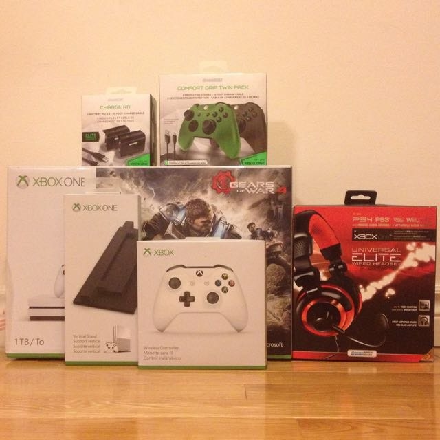1TB Xbox One S Gears Of War 4 Bundle + Accessories