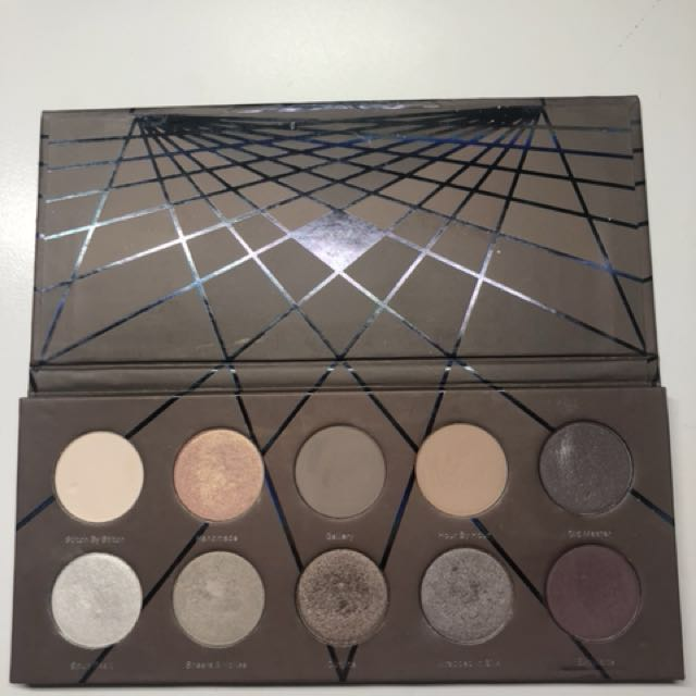 Zoeva Taupe Eye Shadow Palette