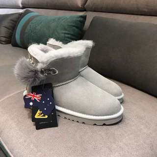 clearance⚠️Loutis UGG size39/40
