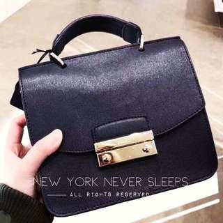 新到🥂✈️🇺🇸飛機美國直送🗽✈️獨家👍🏻Furla Julia Top Handle Mini Bag 20x18x8cm 好多客搵既款💕(黑色/紅色/灰色/粉紅/桃紅)現貨‼️