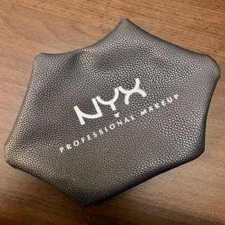 全新~NYX 黑色嘴唇化妝包💋 限量版黑色款 超質感 嘴唇包
