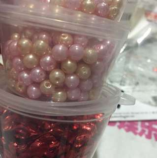 [clearing] 1.5 container of rose gold pearl beads and heart deco