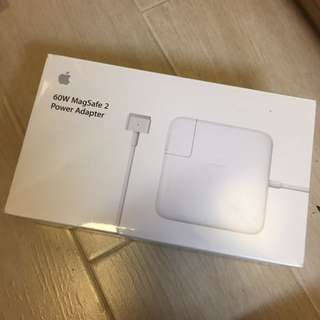 Apple 60W MagSafe 2 power adaptor