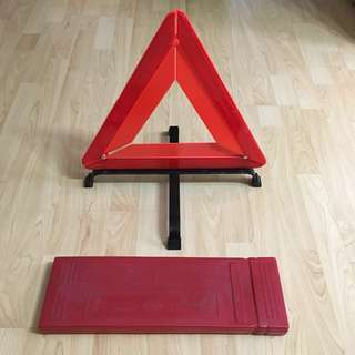 30% OFF GREAT CNY GIFT/SALE { Car Accessories - Breakdown Sign} Car/Vehicle Breakdown/Triangle Warning Sign