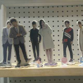 Wannaone unofficial standee