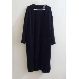 🚚 【全新】黑色長版厚實針織外套