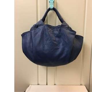 95%New LOEWE 真皮藍色大容量手袋 100%real (3用) (特價$4,900包郵,不退換) (特別色)