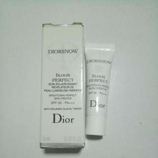 BN Diorsnow Bloom Brightening Perfect Skin Creator SPF35 PA+++