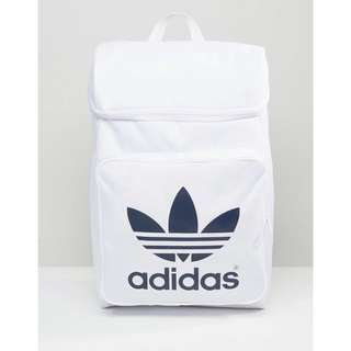 🚚 Adidas 後背包 9成洗一下就跟新的一樣