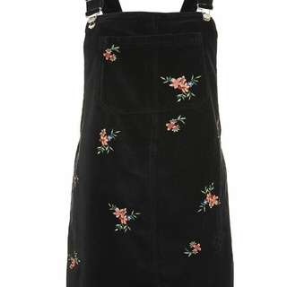 BNWT PETITE VELVET EMBROIDERED OVERALL DRESS