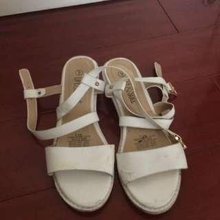 Women's size 8 sandals