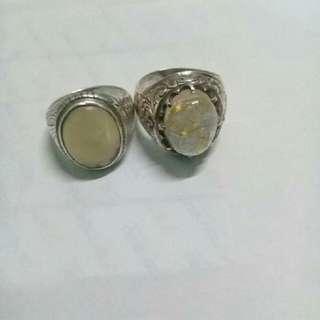 cincin perak batu jarum emas dan batu hijau graviti