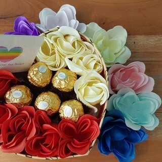 Kado/Hadiah/Hampers/Coklat/Bunga Valentine - Choco Garden in Box
