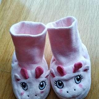 Kaos kaki bayi perempuan