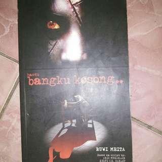 Novel bangku kosong