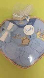 Brand new baby gift set (Max-Kool)