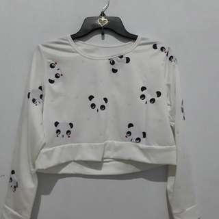 Jual BU. Sweater panda putih bahan babby terry(halus ya). Size : all size jarang dipake malah ga pernah dipake sama sekali. Rp.30.000 BISA NEGO YA!