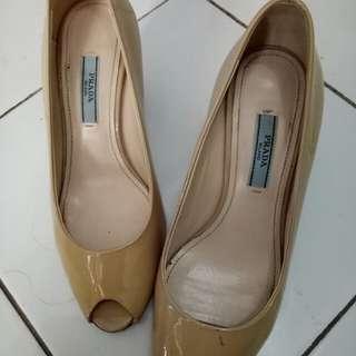 Preloved high heels PRADA