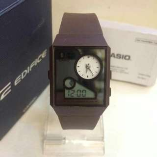 Casio with pouch