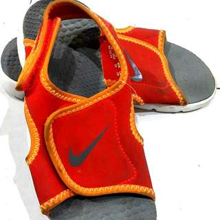 #FEB50 Nike kid sandal