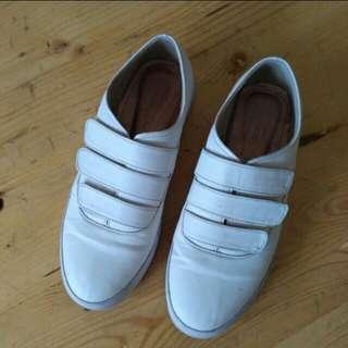 Sneaker 3 strap