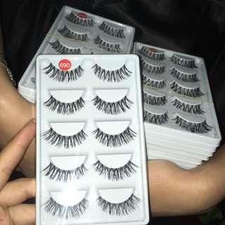 *NEW* Set of 5 Fake EyeLashes
