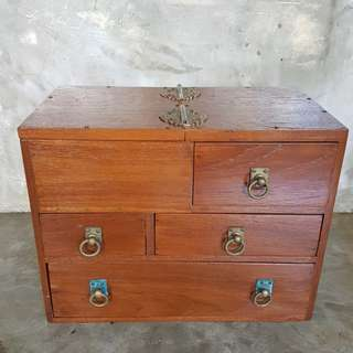 Vintage refurbished seamstress little chest of drawers