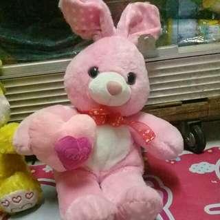 Boneka kelinci pink lucu