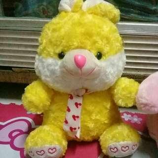 Boneka kelinci kuning lucu