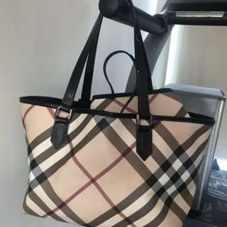 Burberry bag (original authentic)