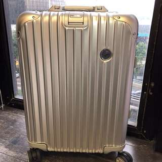 💯100%真貨 - RIMOWA LUFTHANSA 32L Travel case - Romowa 行李箱 (有保養)😊👍🏻
