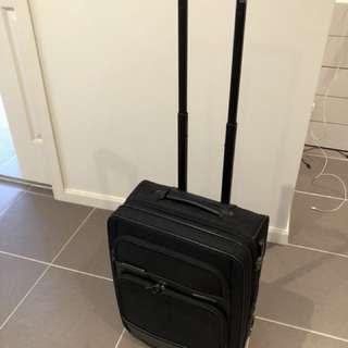 Samsonite international carry on luggage